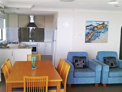 Beach House Seaside Resort, Coolangatta