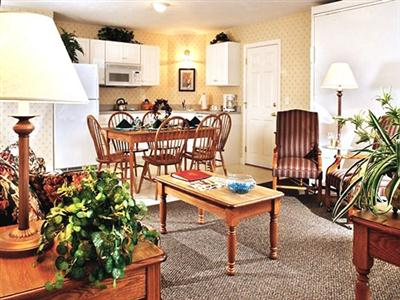 The Suites at Eastern Slope Inn, North Conway