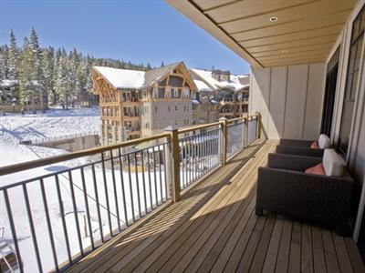 One Village Place, Truckee