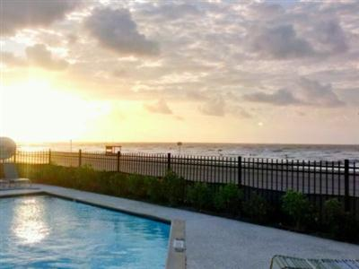 Four Seasons on the Gulf, Galveston