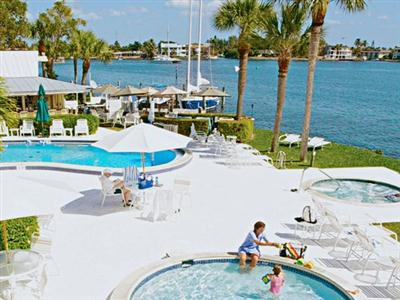Charter Club Resort of Naples Bay, Naples